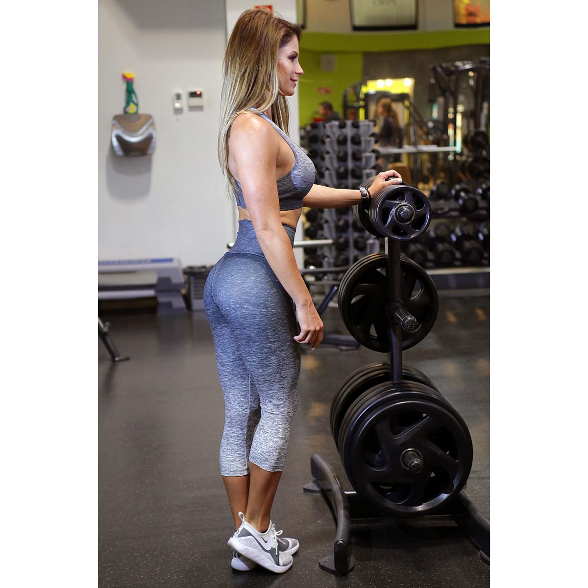 Melange szürke női fitnesz capri nadrág + sport top szett