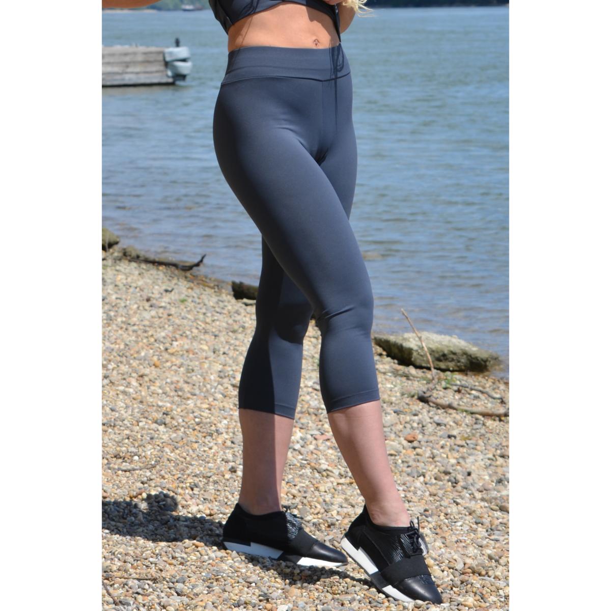 Szürke basic női fitness sport capri nadrág