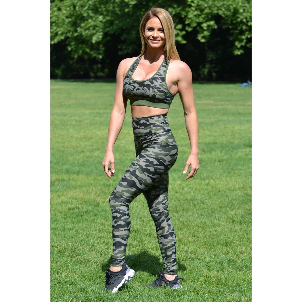 Khaki terepmintás, magasderekú leggings-sport top szett