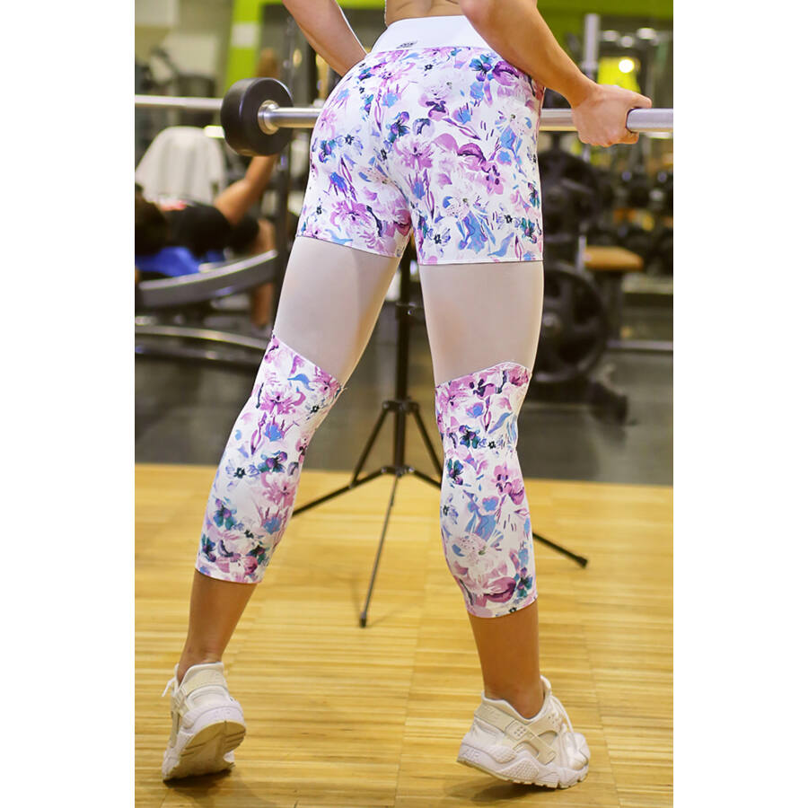 Fehér-lila virágos tüll betétes női fitness capri nadrág - CCK - COCKTAIL SPORT