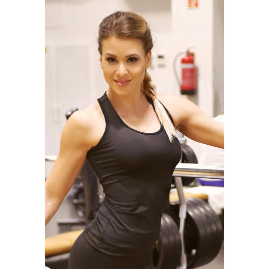 Női basic fitness atléta, fekete
